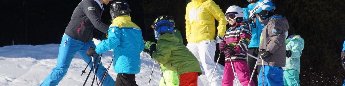 """""""Kids Aktiv Skifahren"""" der 6-9jährigen (Knoppen) und Trainingsgruppe Max"""